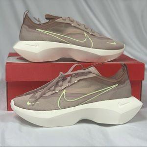 NIB Nike Vistas